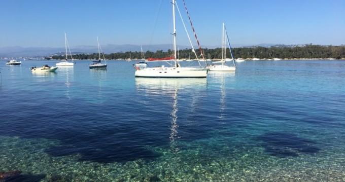 Barca a vela a noleggio a Golfe-Juan al miglior prezzo
