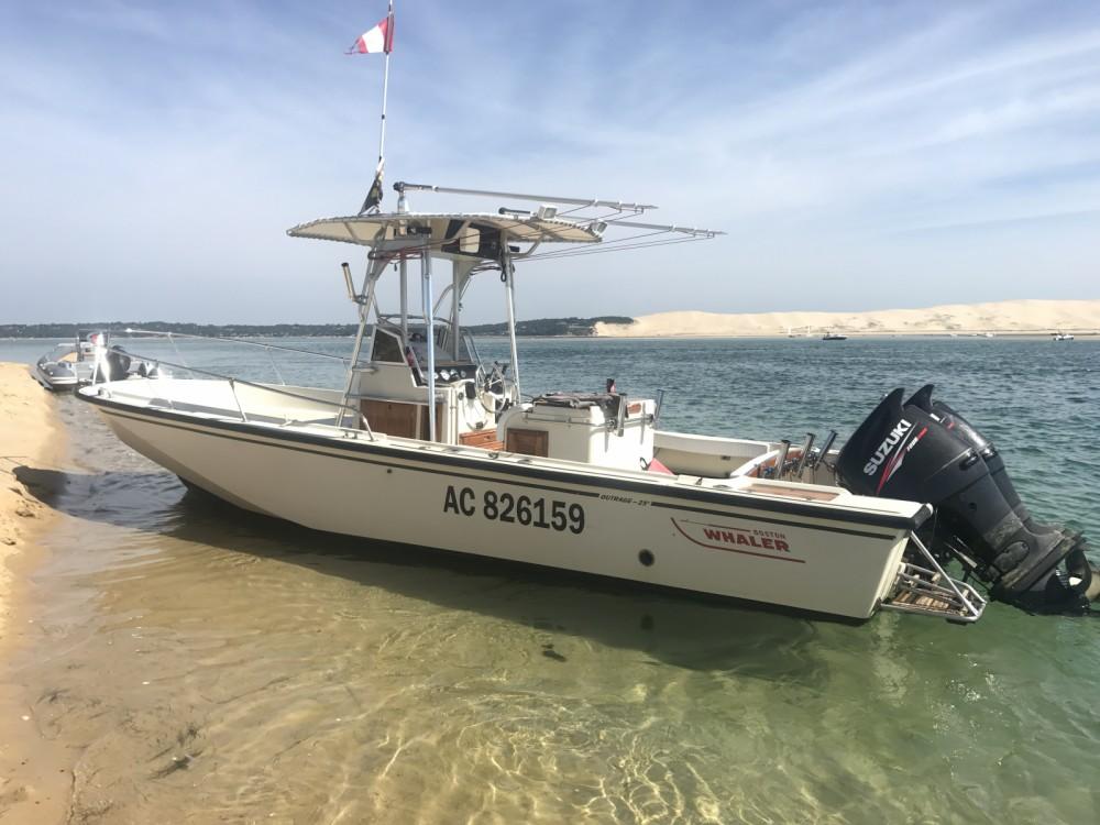 Noleggio yacht Lège-Cap-Ferret - Boston Whaler Boston Whaler 250 Outrage su SamBoat