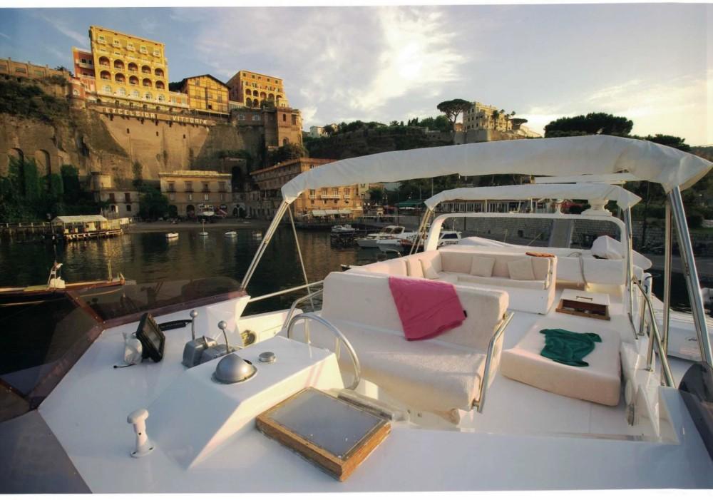 Noleggio Yacht Cantieri navali di Chiavari con una patente