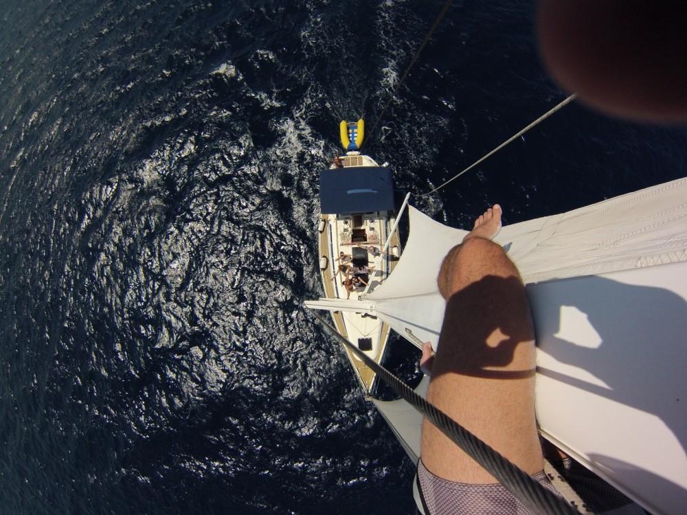 Barca a vela a noleggio Betina al miglior prezzo
