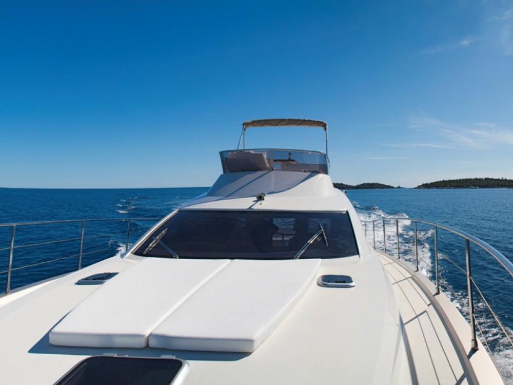 Noleggio Barca a motore con o senza skipper Cyrus ACI Marina Rovinj