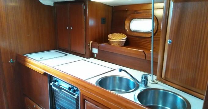 Barca a vela a noleggio a Napoli al miglior prezzo