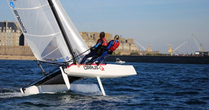 Noleggio yacht a Saint-Malo – Catamaran-F16 Cirrus Q su SamBoat