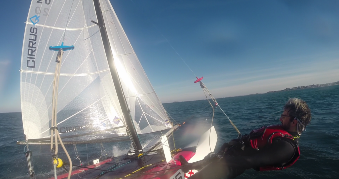 Noleggiare una Catamaran-F16 Cirrus Q a Saint-Malo