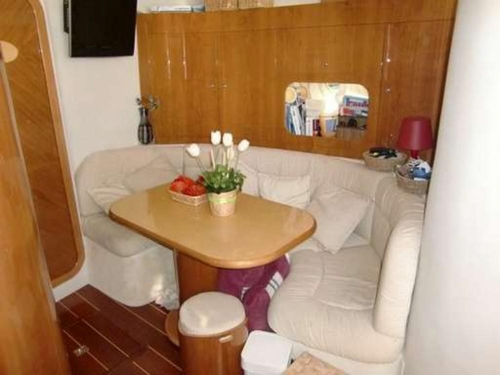Noleggio barche Innovazione e Progetti Mira 43 Milazzo su Samboat