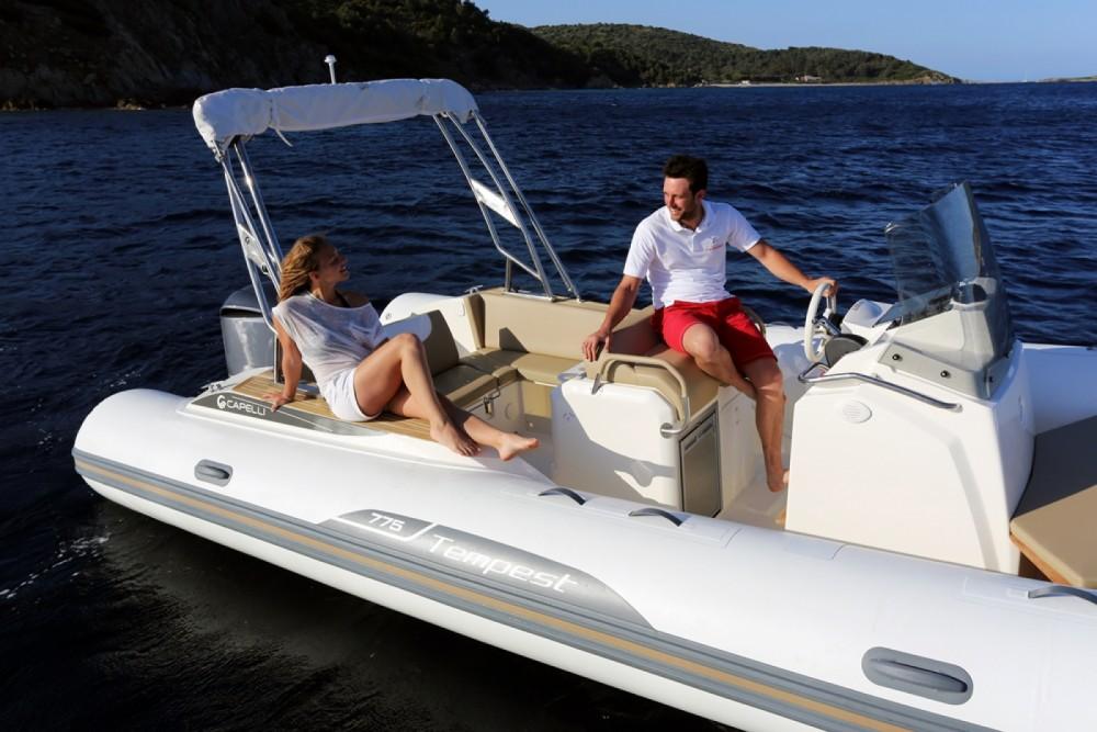 Noleggio barche Capelli Tempest 775 Eivissa su Samboat