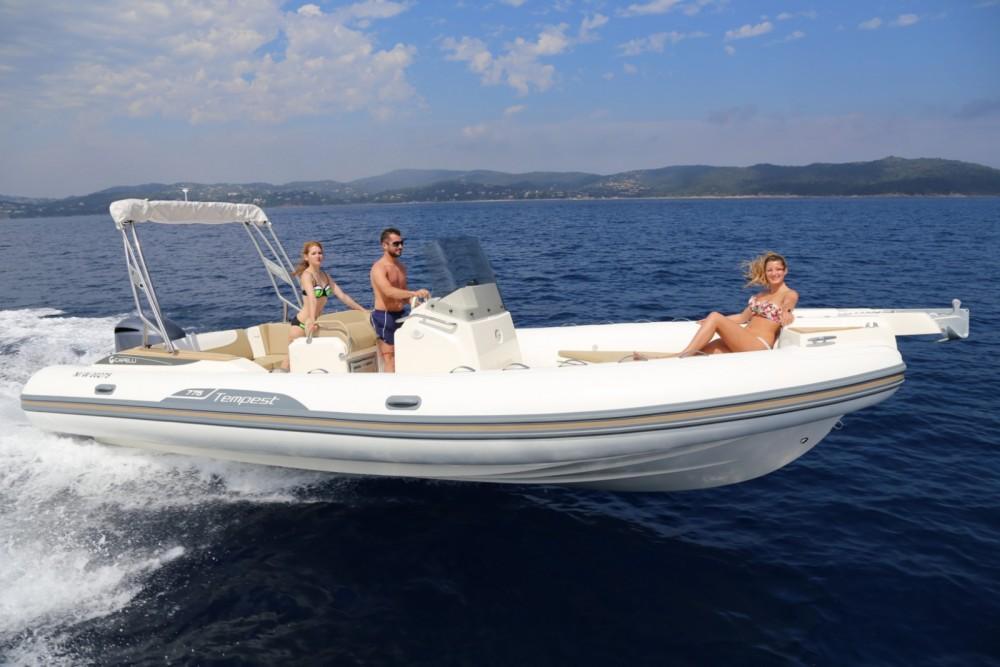Noleggiare un'Capelli Tempest 775 Eivissa