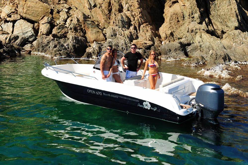 Barca a motore a noleggio Sant Antoni de Portmany al miglior prezzo