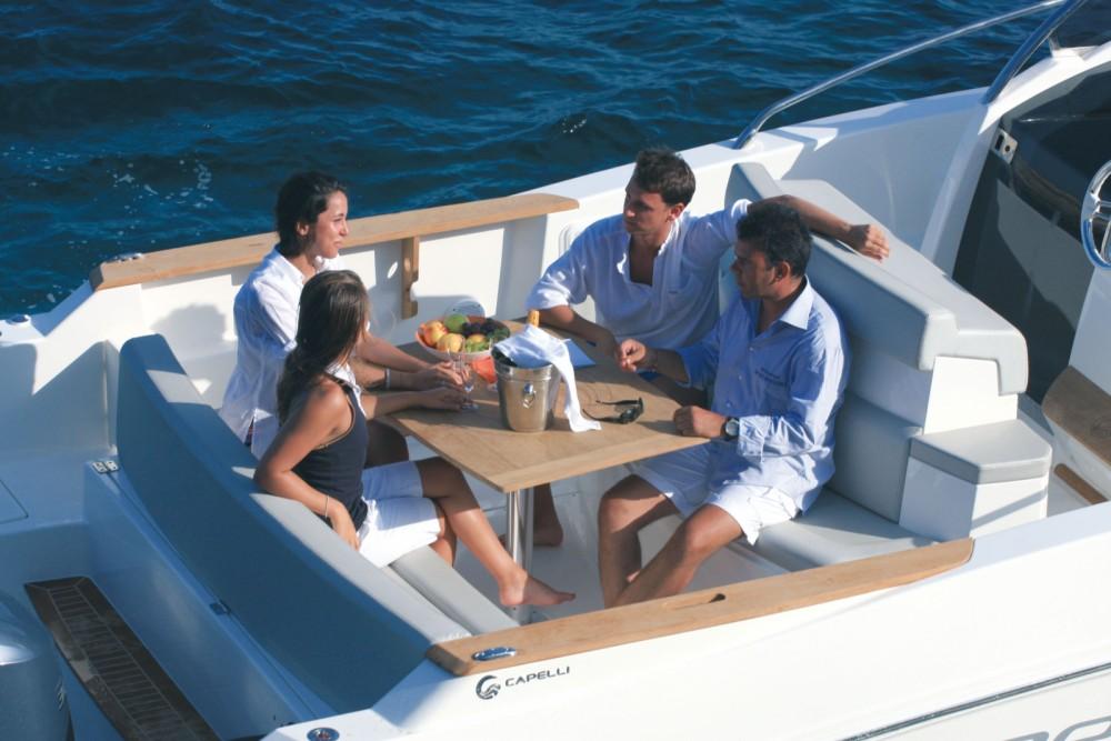 Noleggio Barca a motore Capelli con una patente