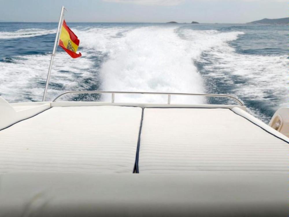 Noleggio Barca a motore con o senza skipper Sunseeker Eivissa