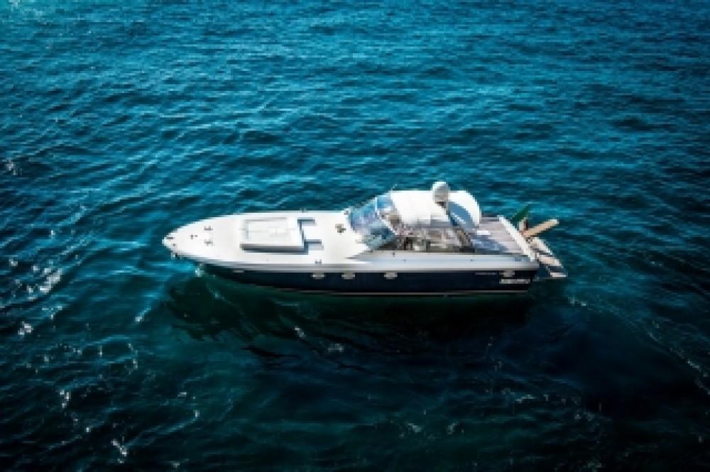 Noleggio Barca a motore con o senza skipper Itama Vico Equense