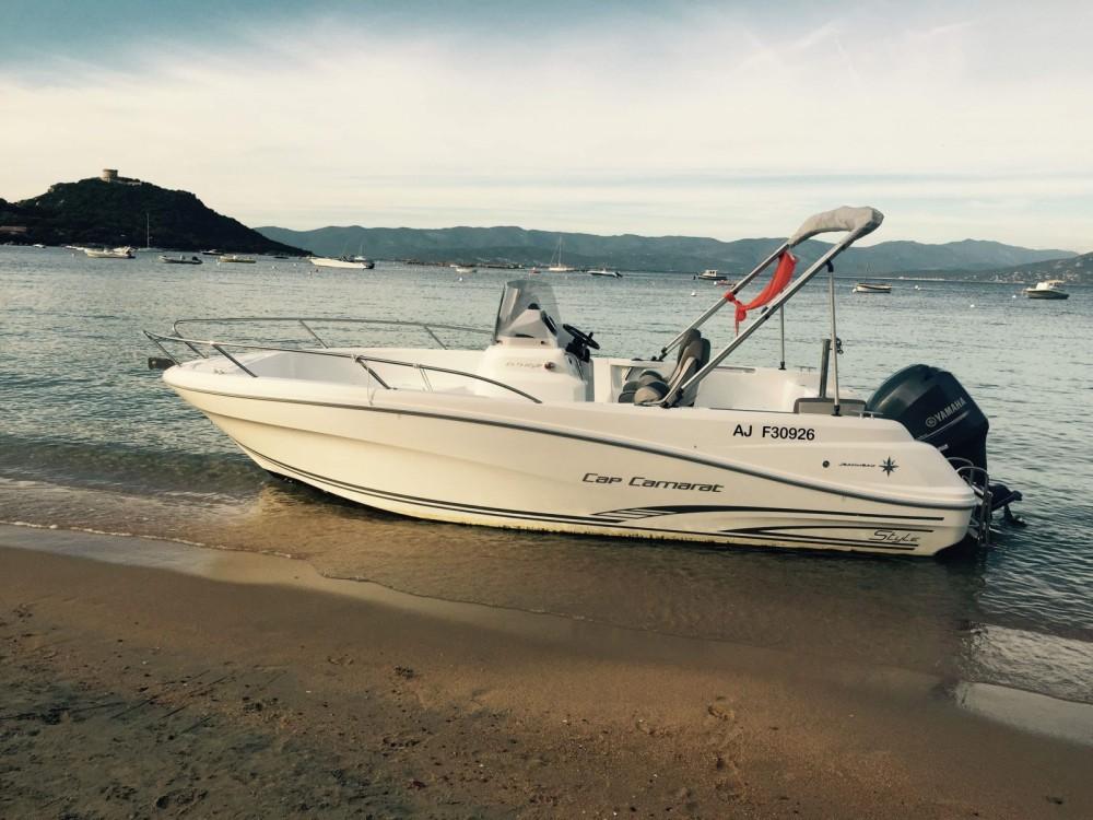 Noleggio barche Jeanneau Cap Camarat 6.5 CC Style Belvédère-Campomoro su Samboat