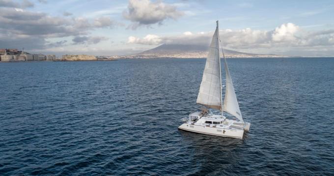 Catamarano a noleggio a Napoli al miglior prezzo