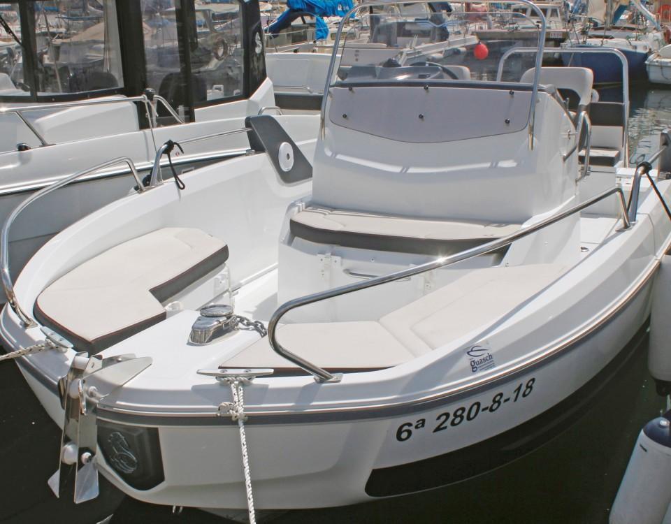 Noleggio barche Barcellona economico Flyer 6.6 SPACEdeck