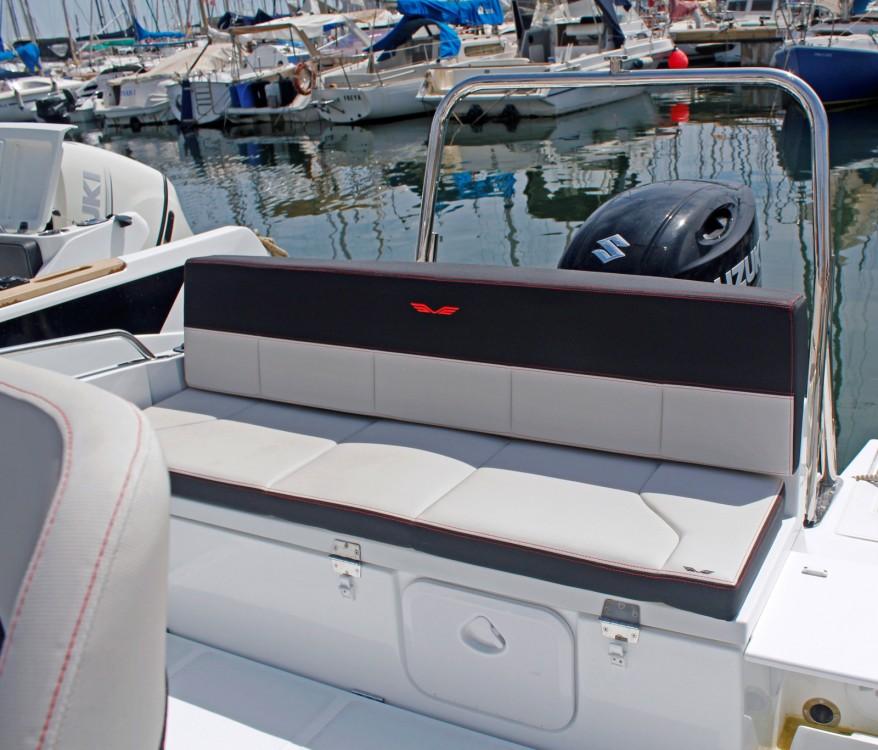 Noleggio Barca a motore con o senza skipper Bénéteau Barcellona