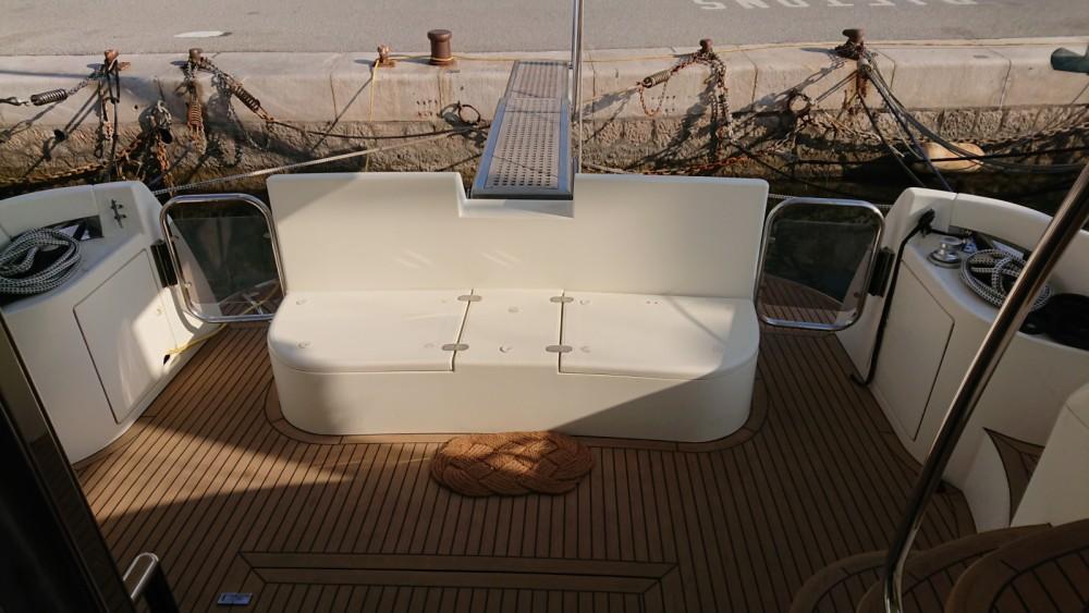 Barca a motore a noleggio Cap-d'Ail al miglior prezzo