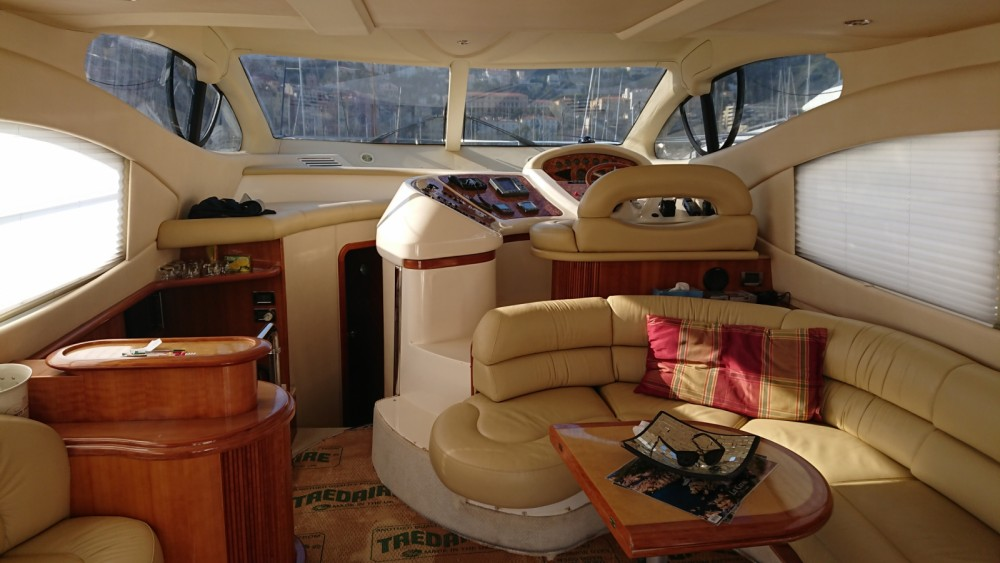 Noleggio barche Azimut Azimut 46 Fly Cap-d'Ail su Samboat