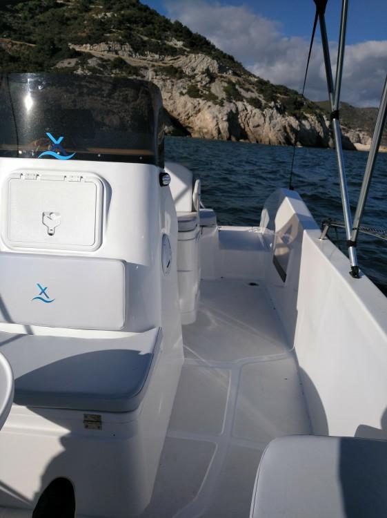 Noleggio barche  economico AXTILUX 600 OPEN