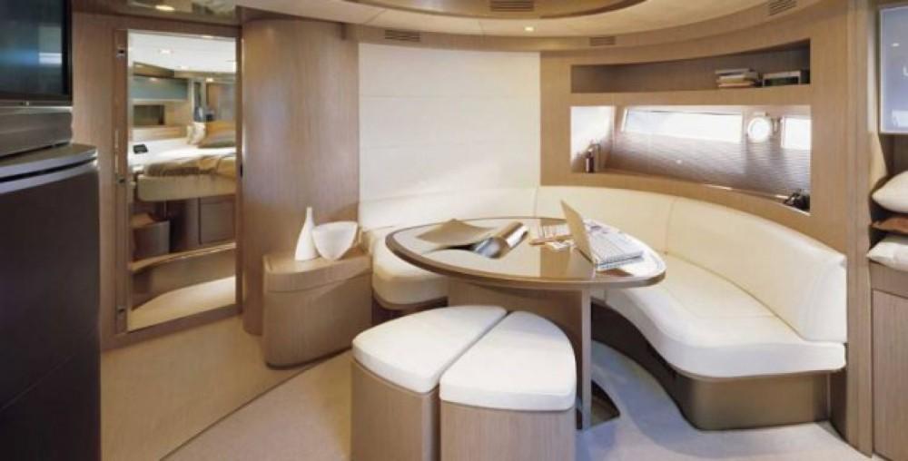 Noleggio Yacht Riva con una patente