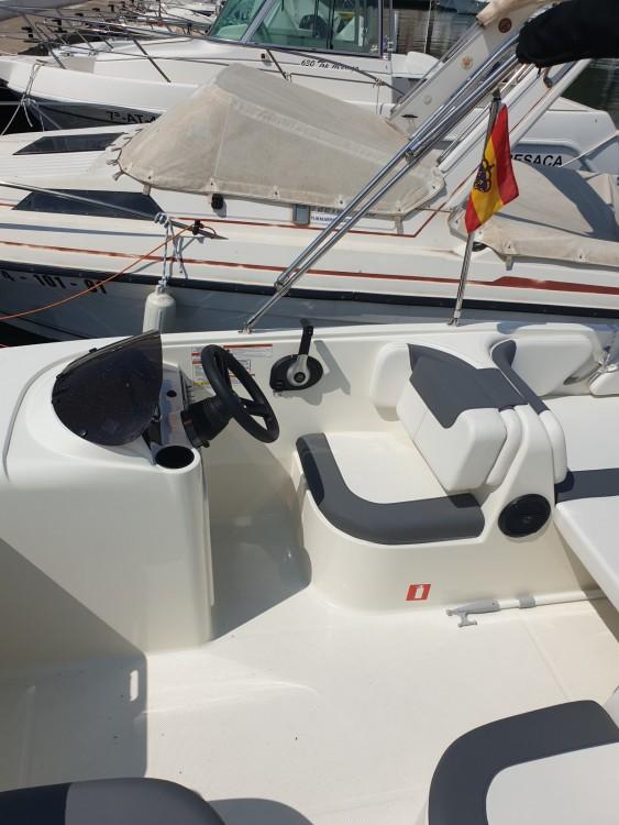 Barca a motore a noleggio Altea al miglior prezzo