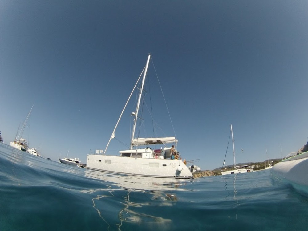 Noleggio barche Lagoon Lagoon 400 S2 Barcellona su Samboat