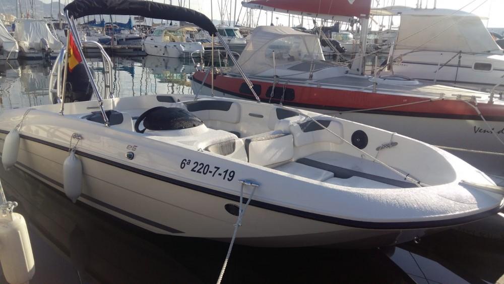 Noleggio yacht Altea - Bayliner E6 su SamBoat