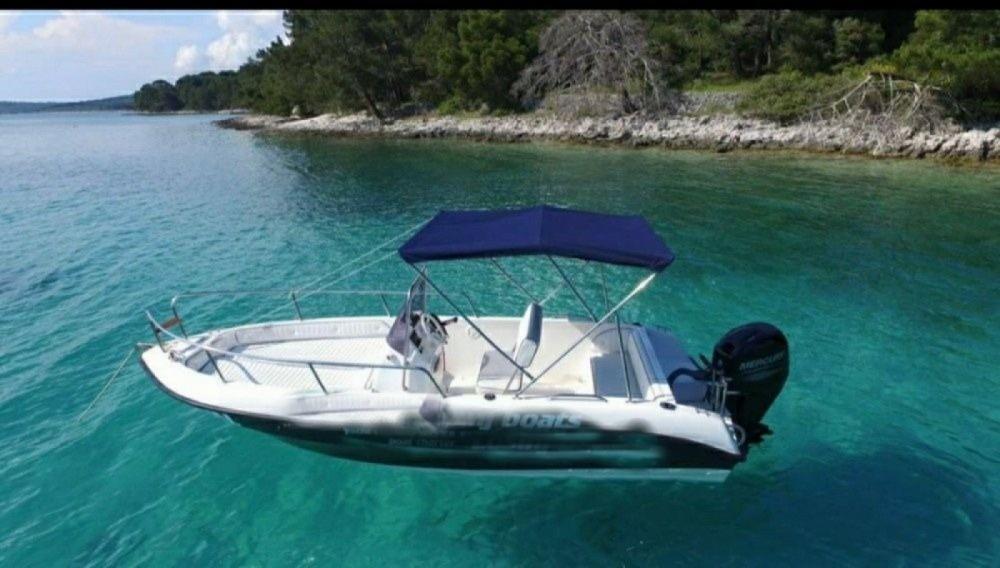 Barca a motore a noleggio Mali Lošinj al miglior prezzo