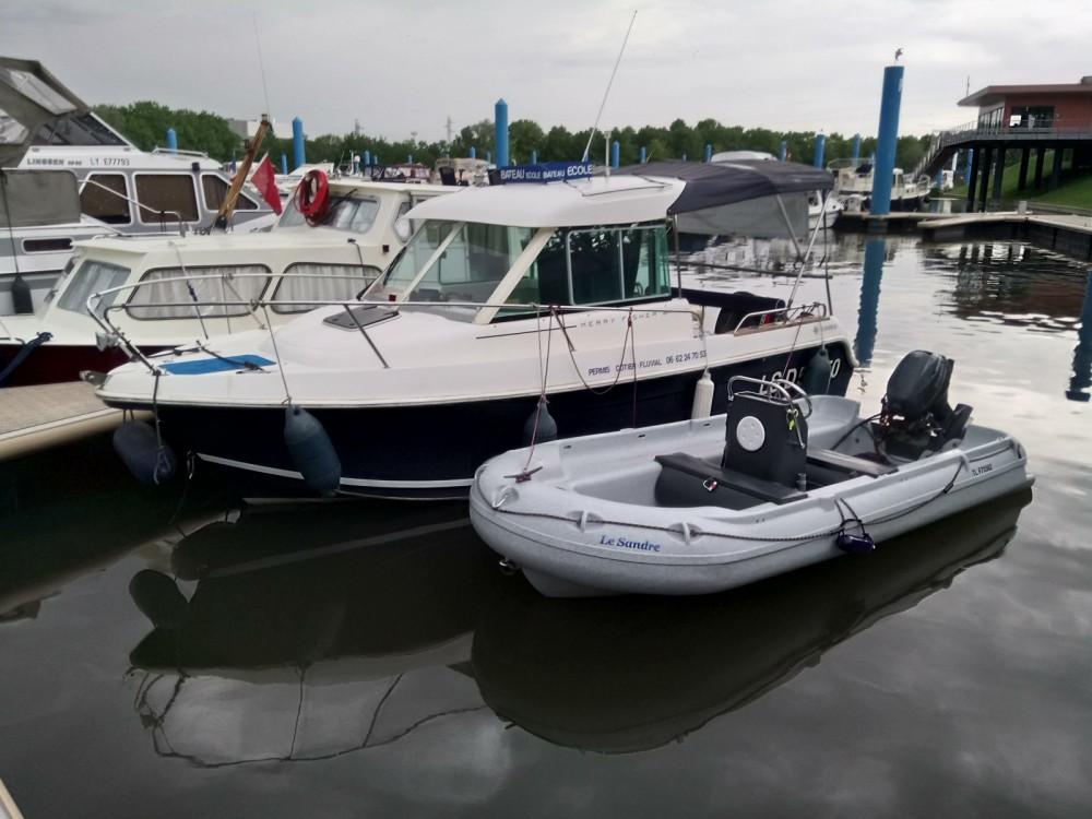 Noleggio Barca a motore Fun Yak con una patente
