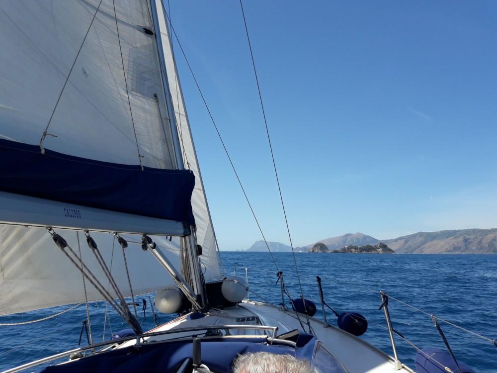 Noleggio yacht Castellammare di Stabia - Bavaria BMB 37 S su SamBoat