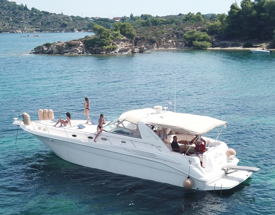 Noleggio yacht Όρμος Παναγίας - Sea Ray Sea Ray 450 Sundancer su SamBoat