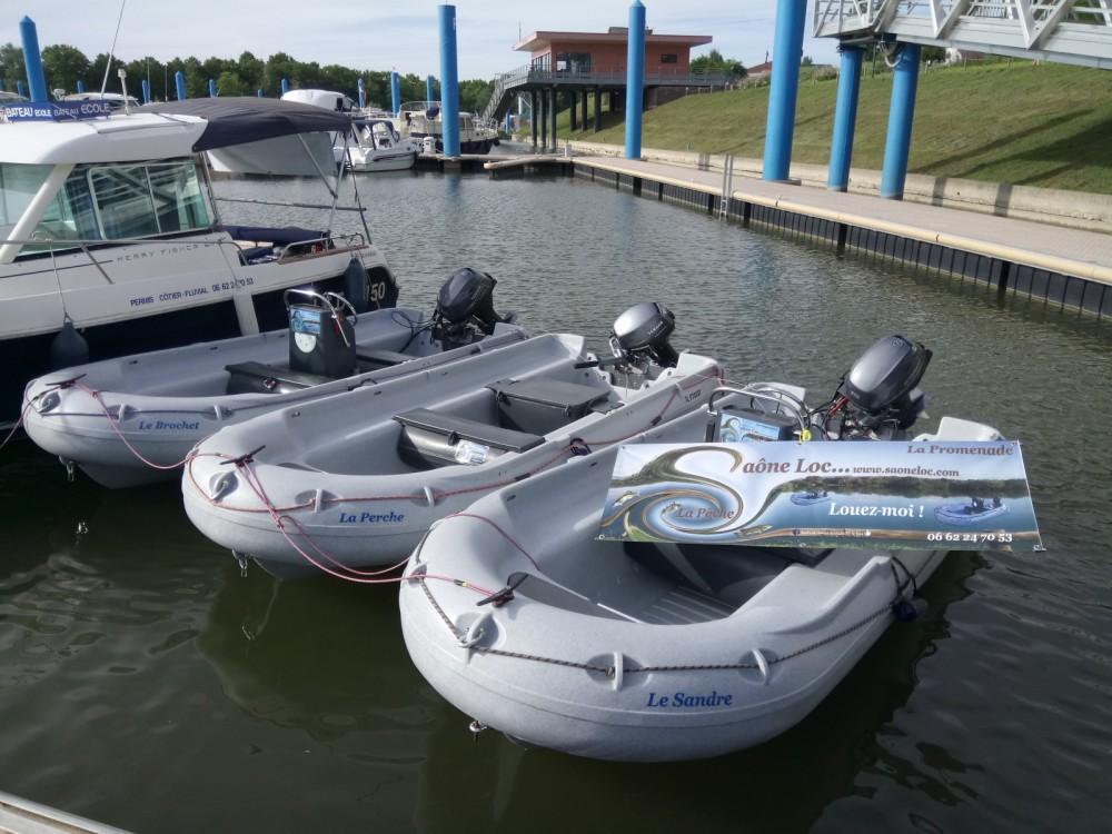 Barca a motore a noleggio Mâcon al miglior prezzo