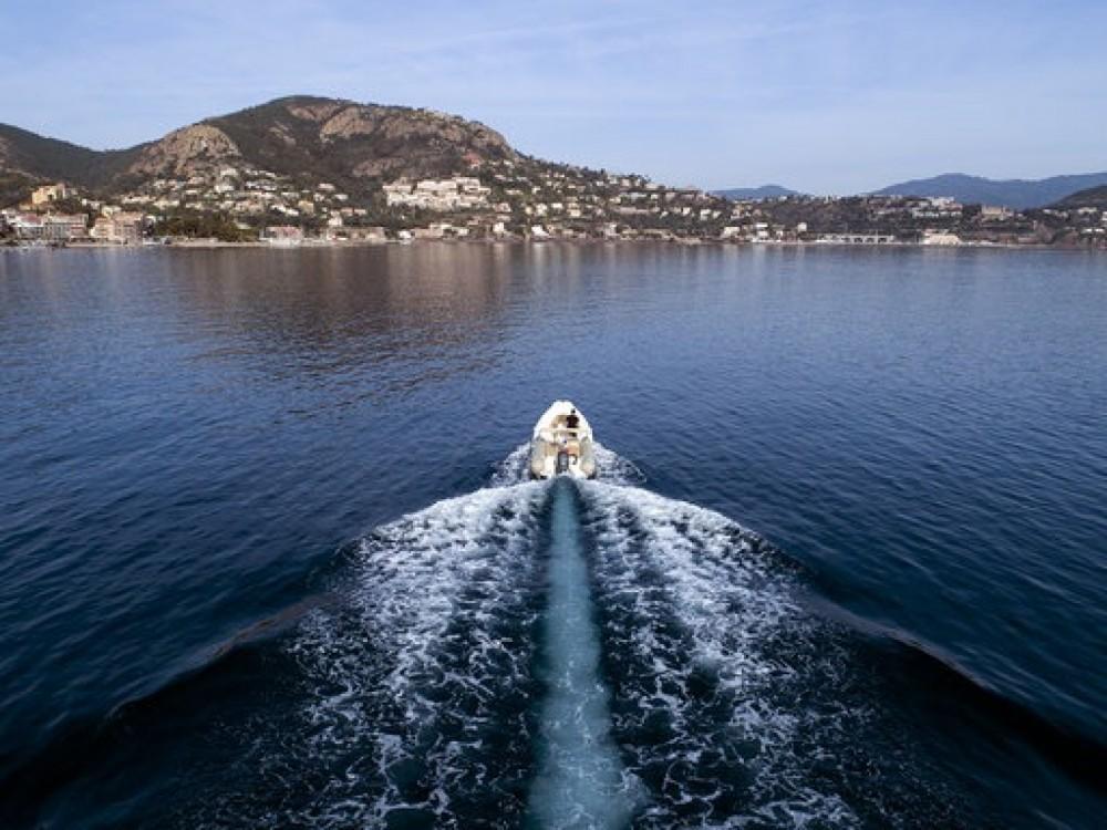 Gommone a noleggio Cannes al miglior prezzo
