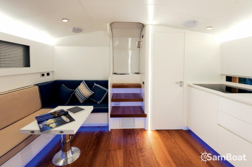Yacht a noleggio Anacapri al miglior prezzo
