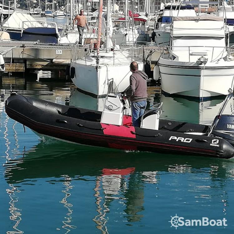Noleggio yacht Cogolin - Zodiac Pro 12 Man su SamBoat