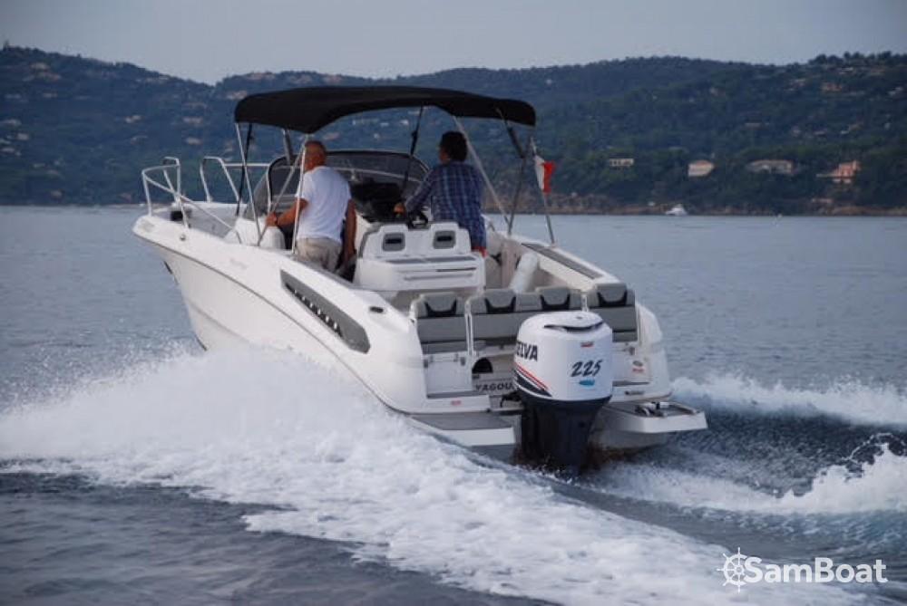 Noleggio Barca a motore Karnic con una patente