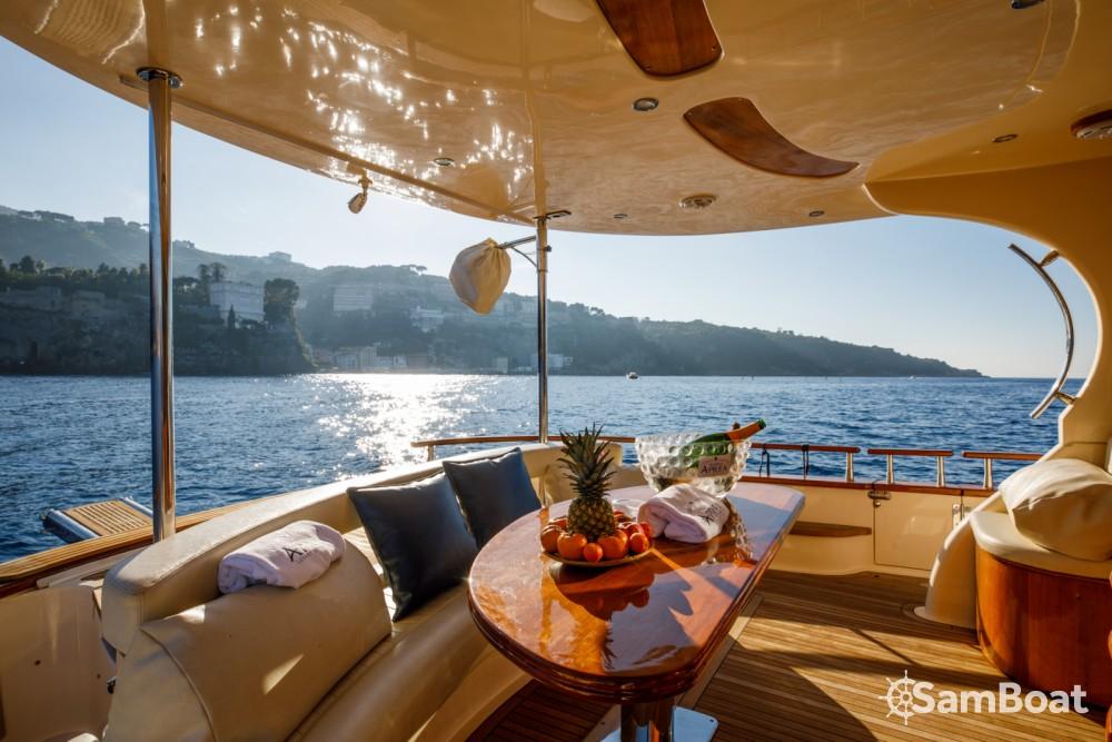 Noleggio Barca a motore Fratelli Aprea con una patente