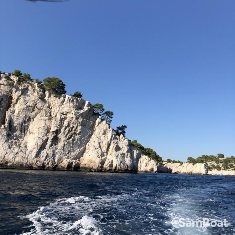 Noleggio yacht Marsiglia - Quicksilver Quicksilver 675 Activ Sundeck su SamBoat