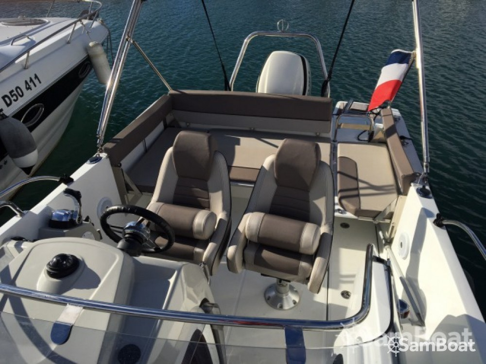 Noleggio Barca a motore con o senza skipper Jeanneau Six-Fours-les-Plages
