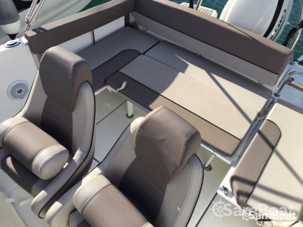 Noleggio barche Six-Fours-les-Plages economico Cap Camarat 755 WA