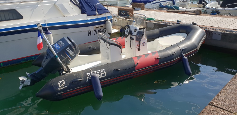 Noleggio barche Cogolin economico Pro 12 Man