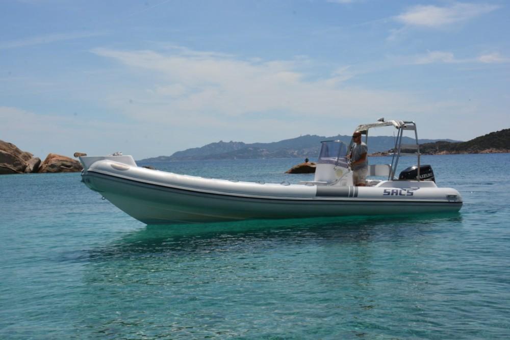 Noleggiare un'Sacs Sacs S 750 La Maddalena