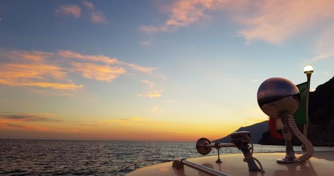 Noleggio Barca a motore con o senza skipper Chris Craft a Positano