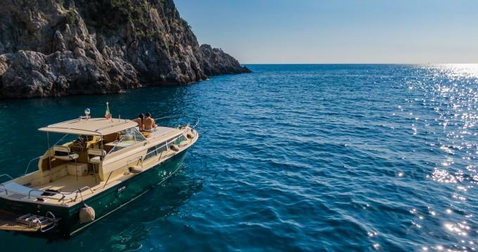 Noleggio Barca a motore Chris Craft con patente nautica