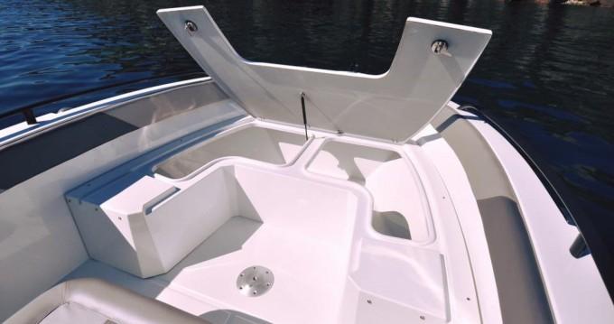 Noleggio Barca a motore Bwa con patente nautica