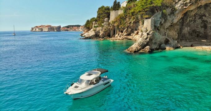 Noleggio barche Ragusa economico Merry Fisher 795