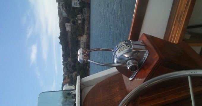 Noleggio Barca a motore con o senza skipper Lambro  a Napoli
