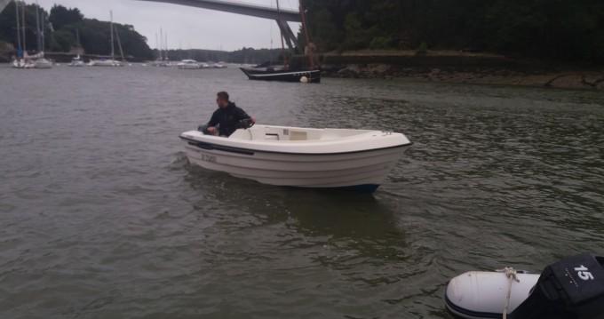 Barca a motore a noleggio a Bono al miglior prezzo