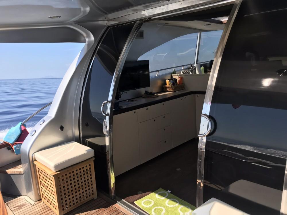Barca a motore a noleggio Castiglione della Pescaia al miglior prezzo
