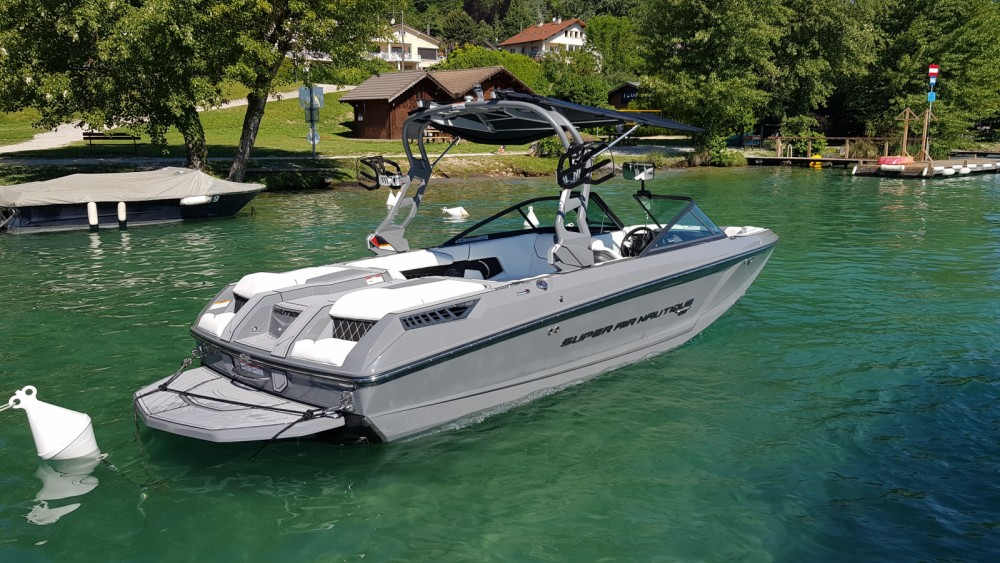 Noleggio Barca a motore con o senza skipper Nautique Correct Craft Annecy