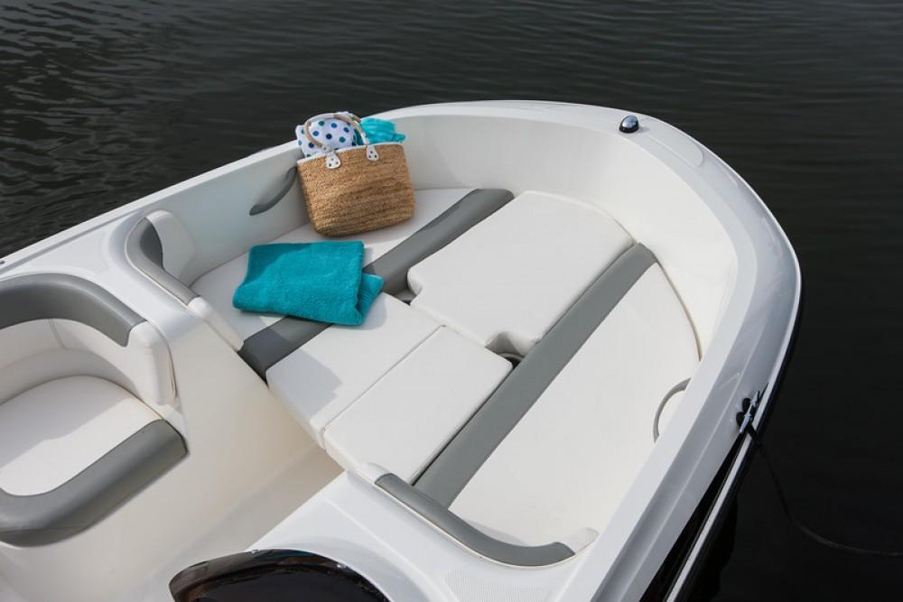 noleggio Barca a motore Bormes-les-Mimosas - Bayliner E6